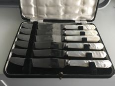 Vintage stainless steel And mother of pearls style Handled Butter knifes set boxed , SHEFFIELD ENGLAND second half of 19th century
