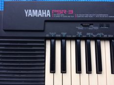 Yamaha PSR3 electric keyboard
