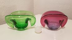 Murano - 2 colourful shell-shaped vintage bowls with one original ball