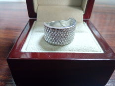 18 kt white gold ring with zirconias in pavé setting - Size: 14