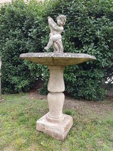 Fountain with Angel and Newt made of Venetian grit - Italy - 20th century