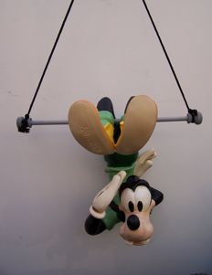 Disney, Walt - Figure - Goofy on the trapeze (1970s)