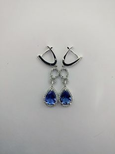 Very Beautiful New Ladies Earrings with Pear cut Tanzanite 3.34 ct and Round cut Diamonds 1.22 ct