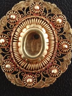 Antique tambourine necklace with relic holder in 14 ct gold, from the Spanish colonial period - Philippines, late 19th century
