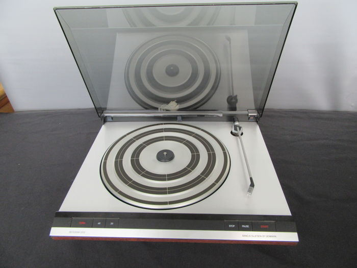 Bang & Olufsen BeoGram 2202 with new needle and belt