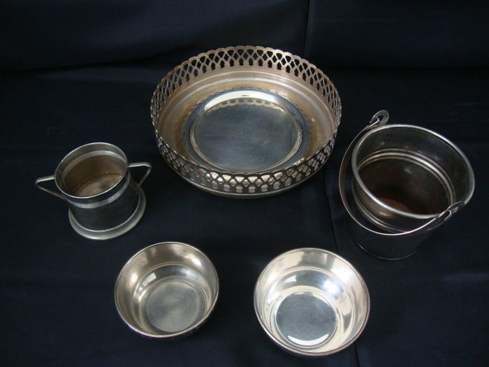 Silver Plated Kitchen Utilities