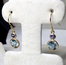 14 kt earrings with 2 carat tanzanites and aquamarines - length 2.3 cm, width 0.6 cm