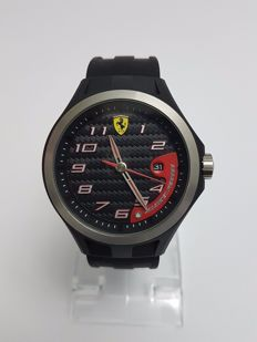 Scuderia Ferrari Men's Lap Time black Strap Watch.