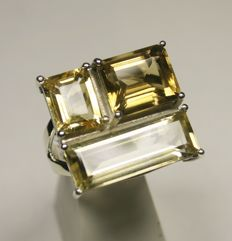 Silver ring with 3 cut stones - citrine