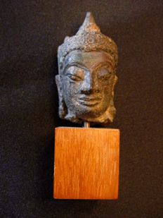 A small bronze Buddha head - Thailand - ca. 16th century