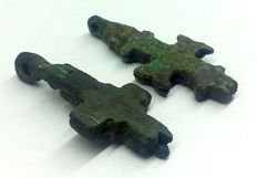 2 Medieval Crusaders Reliquary (double cross - Enkolpion) pendant (2) - 37x19 mm 37x18mm