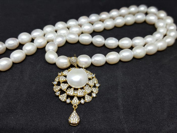 cultivated pearl necklace with  sterling silver pendant- -  length :46 cm