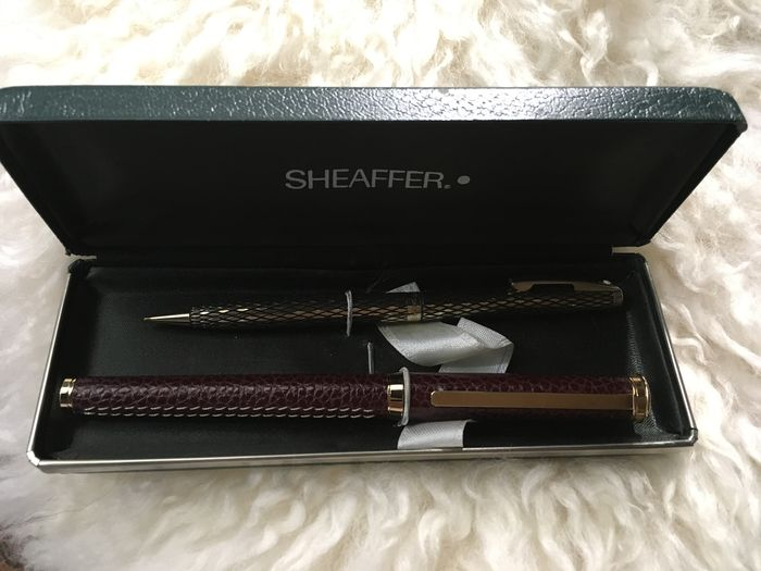 Lot Ferrari/sheaffer etc