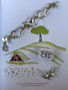 "The Little Prince themed ""The Fox"": Bracelet (22cm), Earrings and pendant with a blue diamond (0,14ct)"