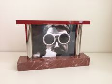 Ettore Sottsass Jr. for Morellato Amarcord - double sided photo frame in red lacquer and marble Memphis Milano era