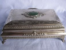 Jewellery box in silver 800 - Florence, Raddi brothers - Italy, mid 20th century - 408 grams