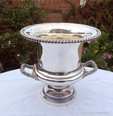 Ice bucket for Champagne with silver plated handles