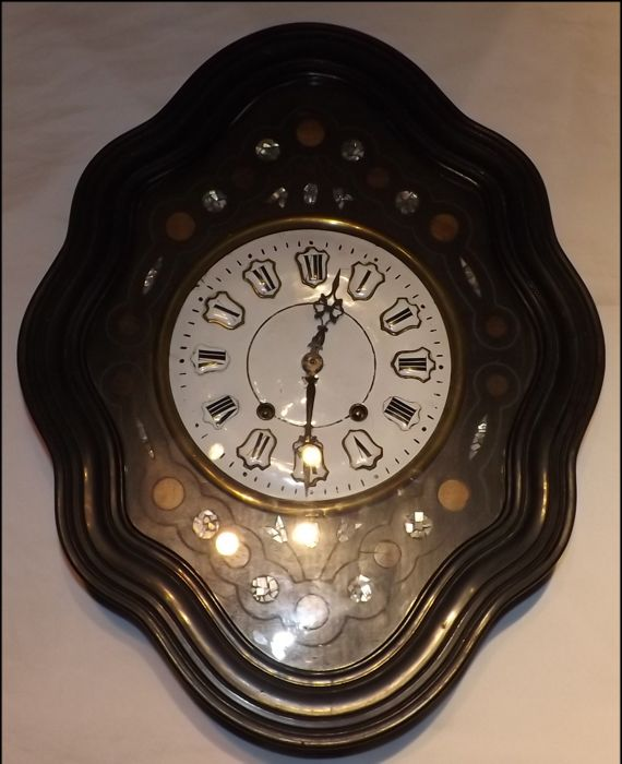 Magnificent - gold Ox Eye, inlaid with mother of pearl - France - approx. 1880 French wall clock