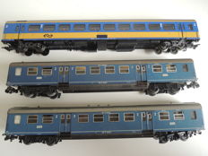 Märklin H0 - 3 different carriages of the NS
