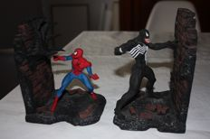Spiderman VS Venom Bookends Limited Edition Sculpture By Tony Cipriano - (1994)