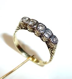 Diamond ring / stacking ring with 5 brilliant cut diamonds 14 kt/585 gold with approx. 0.25 ct ***NO RESERVE PRICE***