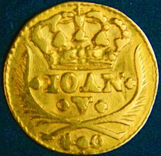 """Portugal – Pinto in GOLD """"Coroa 5 Arcos"""" (5 Arch Crown) - D. João V – 1734 – Lisbon – Excellent and Very Above Average – AG: 85.14"""