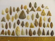 52 x Neolithic arrowheads - 18/42 mm (52)