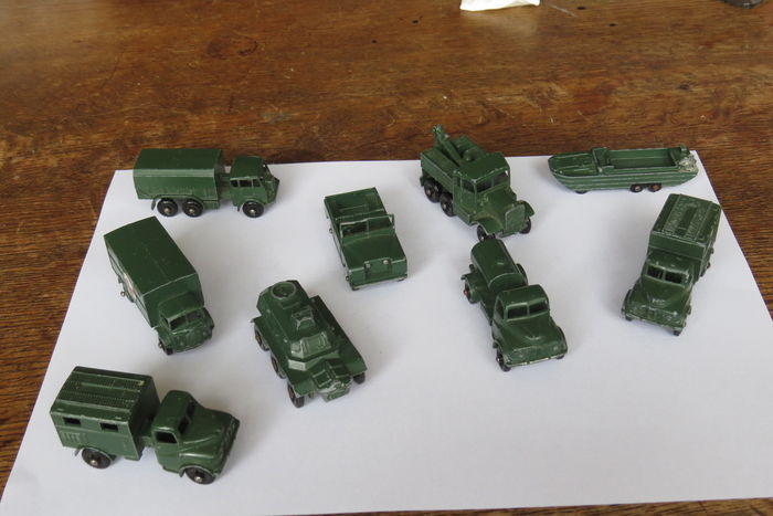 Lesney Matchbox made in England –  Lot of 9 military vehicles