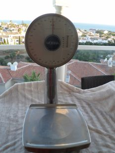 Mobba scale manufactured in Spain