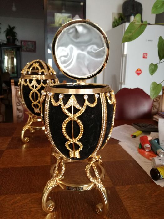 Faberge eggs: Smirnoff ice bucket
