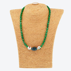 18k/750 yellow gold necklace with emeralds - Length, 44 cm.