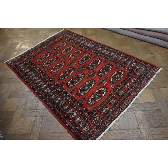 Magnificent hand-knotted Oriental carpet Bukhara Yomut. 200 x 130 cm. Made in Pakistan, mid of the 20th century.