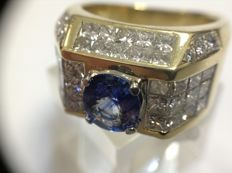18-20k Yellow gold men ring with 6ct diamond paving and sapphire ceilon 1.2 ct -18,3mm