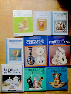 Lot consisting of 9 books regarding pottery and porcelain