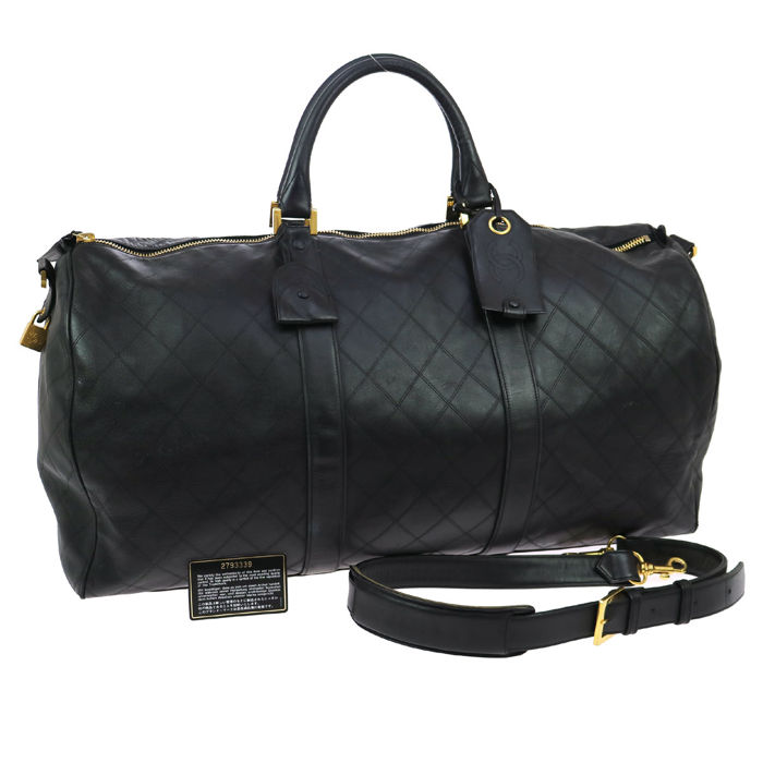 ed45b1c443b380 Chanel - Jumbo XL travel bag, quilted leather, with CC logos - Weekend bag