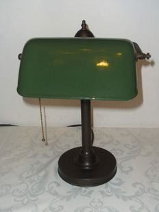 Notary/Bankers lamp bronze with enamel green hood - 1920s and 1930s of last century.