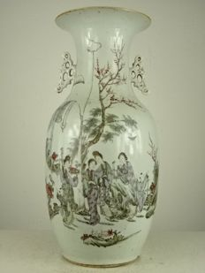 Porcelain baluster vase with figurative painting – China – ca. 1920