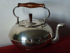Large kettle for water, tea, milk, etc. - England - 20th century
