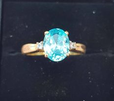 Gold ring with natural zircon from Ratanakiri