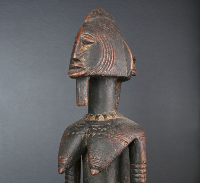 Seated maternity figurine carved in wood - DOGON - Mali