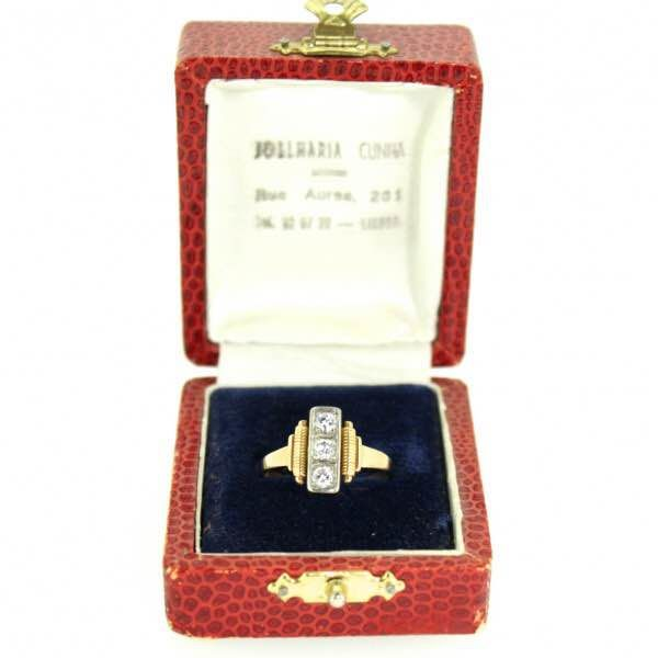 Art Deco 14k yellow gold ring with 3 diamonds of 0,3 ct total, ca 1920's