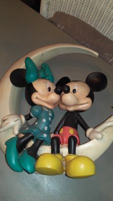 Disney, Walt - Figure - Minnie & Mickey as a couple sitting on the moon (c. 1970/1980)