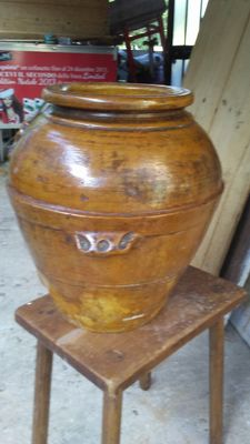Oil jar. Umbria, 1897. Height   42 cm