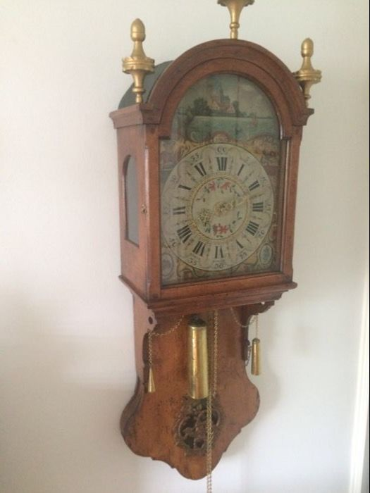 Frysian Sturt clock, elm wood, period of the early 1800s