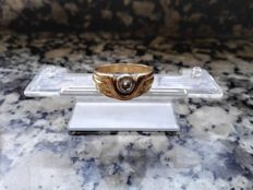 Solitaire of 18 kt gold and diamond 0.43 ct - diameter 2 cm approx