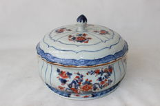 Imari tureen - China - 18th century (Qianlong period)