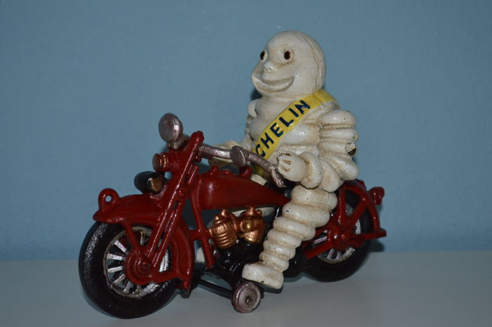 Bibendum Michelin in cast iron - old specimen