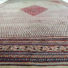 "Persian Mir - 421 x 326 cm - ""Showroom carpet - Impressive oversized Persian carpet in beautiful condition"" - With certificate."