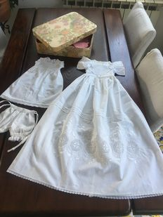 Beautiful Caracter baby christening gown - France