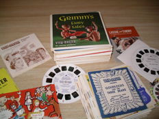 Various View-Master printed matter from the 1950s, 60s and 70s: empty folders, loose booklets, old leaflets, lists, catalogues, order forms.
